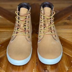 Timberland- Wheat Boots, SZ 7.5 New w/o tags